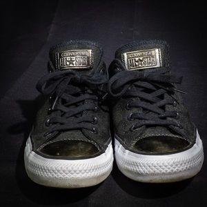 "Converse ""Chucks"""